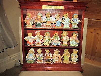 CHERISHED TEDDIES Across The Seas full set with displayer