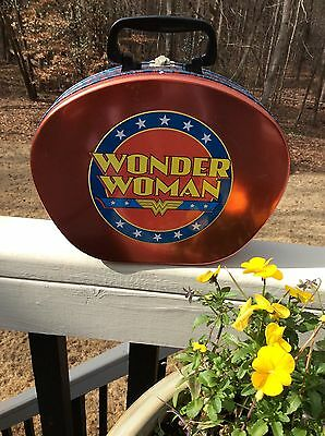 Vintage Wonder Woman Metal Lunch Box Or Large Tin Tote