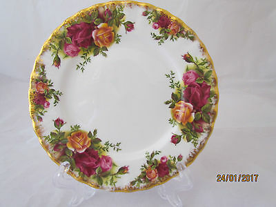 Vintage 1962 English Royal Albert Old Country Roses cake / side plate