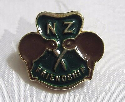 Vintage Girl Guide New Zealand Friendship Brooch Pin Badge