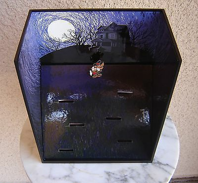 Disney Haunted Halloween Tombstone Diorama Display Box with Mickey Pin LE NEW