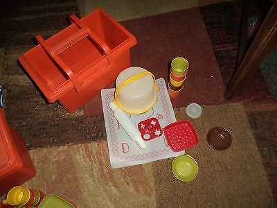 Child's Vintage Tupperware 17 Pc Set Children's Play Dishes Kids Picnic Cookies