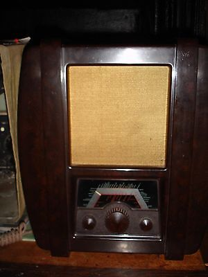 1936 Ecko AD37 wireless radio vintage  in working condition.