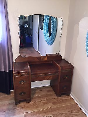 Antique Bedroom Set Victorian Full Size  Bed and Dresser w/ Mirror HELMERS MFG.
