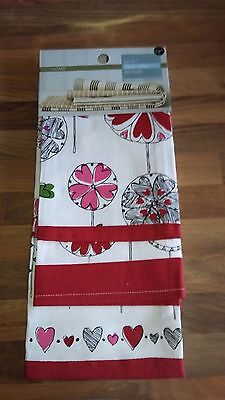 M&S Home set of 3 tea towels -100% cotton - Red mix