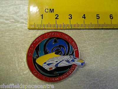 Star Trek Deep Space Nine Cast & Crew 94-95 Season Pin Badge DSN95