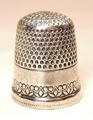 Antique Ketcham & McDougall Sterling Silver Thimble   Berries & Leaves