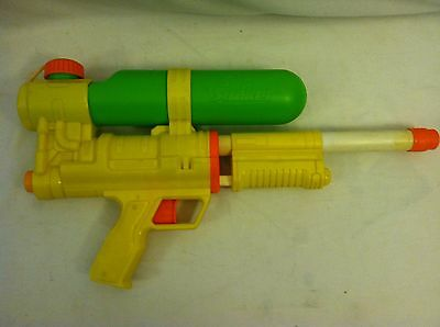 Super Soaker pump Water Squirt Gun Yellow green 2008