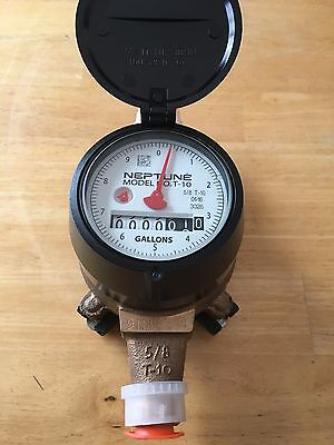 Neptune 5/8 x 1/2 T-10 Direct Read Water Meter in Gallons with Couplings