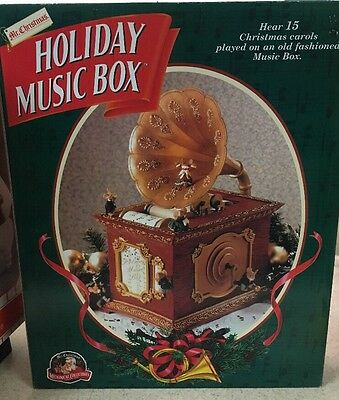 MR CHRISTMAS Holiday Music Box Gramophone Mouse Mice Old Fashioned NEW! In Box!!