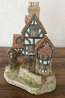 """Hand-Painted """"Squires Hall"""" David Winter Cottage Figurine by John Hind 1985"""