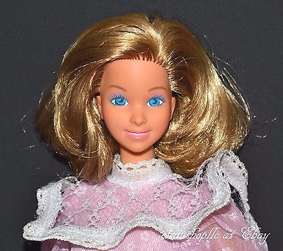 Heart Family Mom Barbie Doll