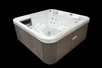 Whirlpool 200 x 200 x 89 cm 5 Personen Made in EU 230V Wellis Pluto Spa