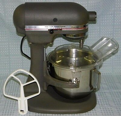 Kitchen Aid Mixer K5SS with SS Bowl, Beater & Gaurd