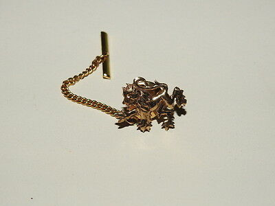 Vintage Men's 9ct Gold Tie Tack Pin and Chain. weight 1.1 grams.
