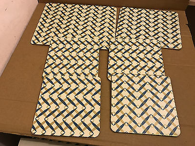 Set of 6 Vintage Different Size's Place Mats, With Pattern on Both Sides