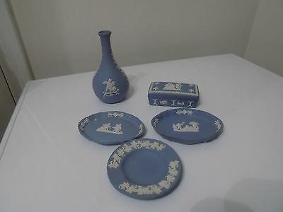 5 Pieces Of Wedgwood Jaspar Ware .