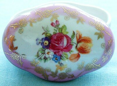 CONTINENTAL PORCELAIN PILL or TRINKET BOX WITH LID