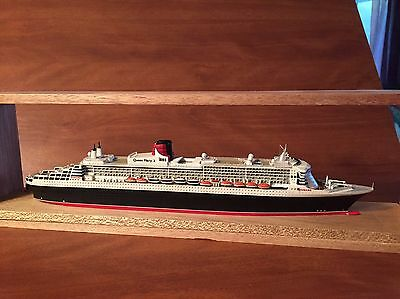 1/1250 ship model Of the Queen Mary 2 By CSC