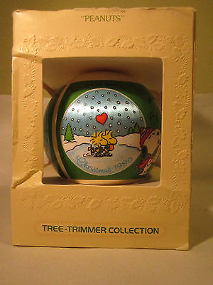 Hallmark Tree Trimmer Unbreakable Satin Ornament PEANUTS 1980 Woodstock Snoopy