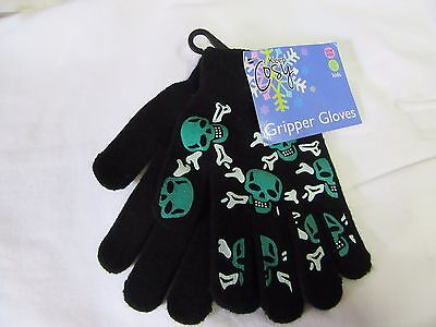 Boys Kids  Gripper Gloves New with tags.one size.New with tags