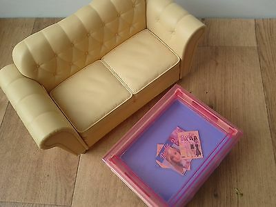 Barbie my scene cream sofa dolls house cafe & coffee table with drawer