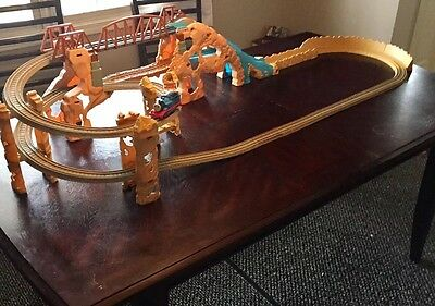Thomas and Friends Action Canyon Motorized Train Trackmaster Set