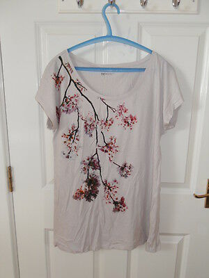 Maternity T-shirt from Gap. Size L
