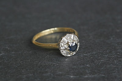 Lovely Vintage 18ct Gold Sapphire Diamond Cluster Ring Art Deco Style