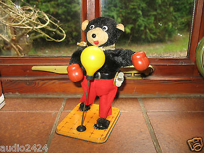 nice old BOXING BEAR VINTAGE JAPAN TIN TOY WIND UP NOMURA  TN WORKING tinplate