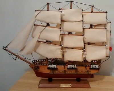 USS Constitution 1797 Wood Sailing Ship Model Nautical Collectible nice detail