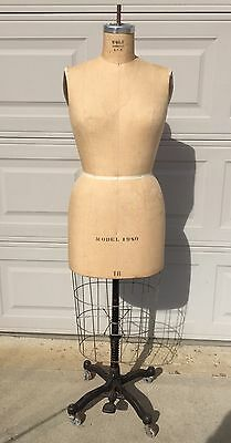 Wolf Mannequin Adjustable Dress Form With Cage