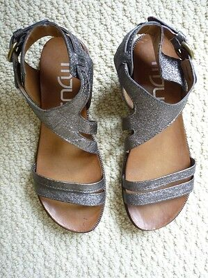 NEW WITH BOX MJUS Women's Leather Strap Sandal (255019)
