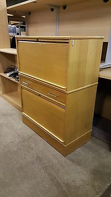 Kinnarps Birch Effect Office Bookcase Adjustable Shelving Good Condition