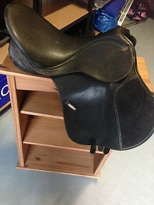 Black Flocked wintec GP saddle 16.5inch Changeable Gullet