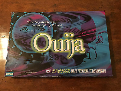 2001 Ouija Glow in the Dark Game Complete – Parker Brothers