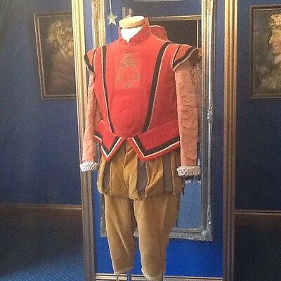 Stunning English National Opera Elizabethan Beefeater Made For Gloriana Top Item