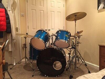Performance percussion drum kit with pearl/zildjian cymbals and stands