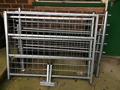4ft Small Double Bed Frame Metal Silver Used