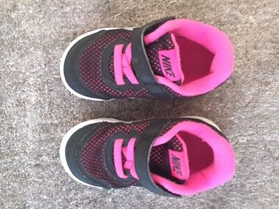 Nike Girls Sneakers Size Us6C / Eur22 - Excellent Condition
