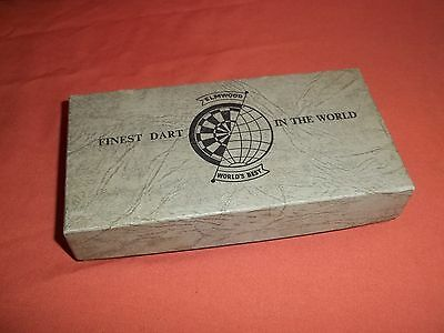 Rare VINTAGE BOXED SET OF ELMWOOD FEATHER DARTS 17grm. best in the world