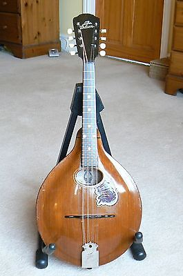 Gibson Mandolin A style in beautiful condition.
