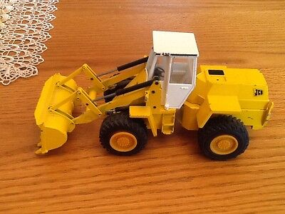 VINTAGE W.GERMAN 1960s, NZG. No251 JCB 430 ARTICULATED WHEELED Loading Shovel