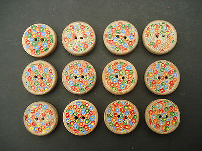 12 VINTAGE PAINTED WOOD BUTTONS 19mm IN DIAMETER