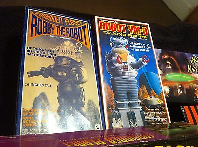 Robby The Robot And B9