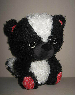 "~Cute ""Love Is In the Air"" Hallmark Skunk Valentine Stuffed Plush!"