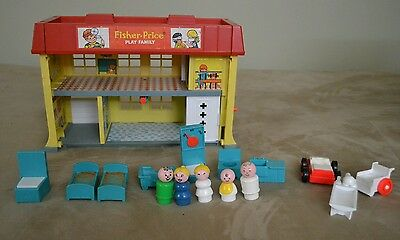 Vintage FISHER PRICE Children's Hospital and accessories  Little People 1976 931