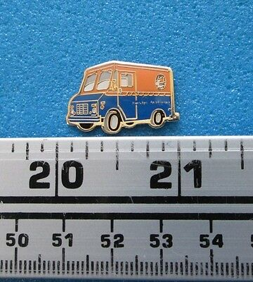 Postes Canada Priority Post Mail Truck Van Car Poste Prioritaire Pin # 18-5-8