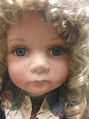 The Knightsbridge Collectors Porcelain Doll New In Box Rare & Collectable SUSAN