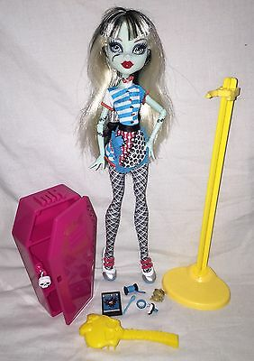 Monster High Doll Frankie Stein Home Ick Classroom